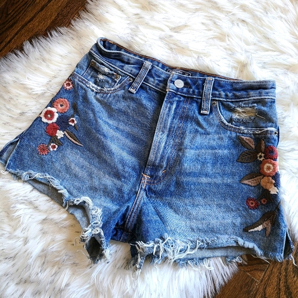 Abercrombie blue Jean shorts xs 24 embroidery 00r